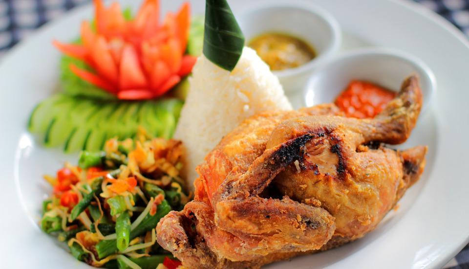 Adi Dharma Cottages Bali - Ayam Betutu