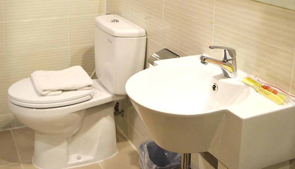 d'primahotel Airport Jakarta IA - Bathroom