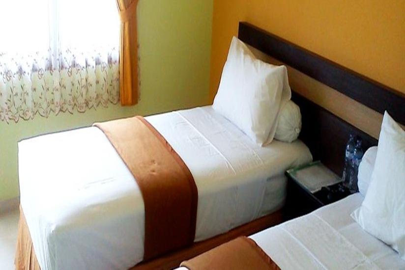 Hotel Djagalan Raya Surabaya - Deluxe Regular Plan