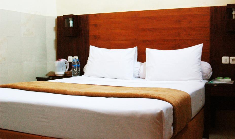Hotel Djagalan Raya Surabaya - deluxe king size