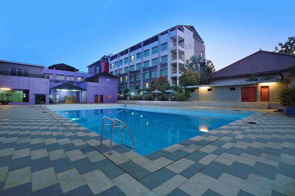 Aston Tanjung Tabalong - kolam renang