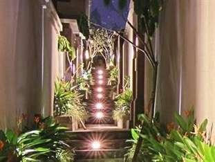 The Widyas Luxury Villa Bali - Pintu masuk