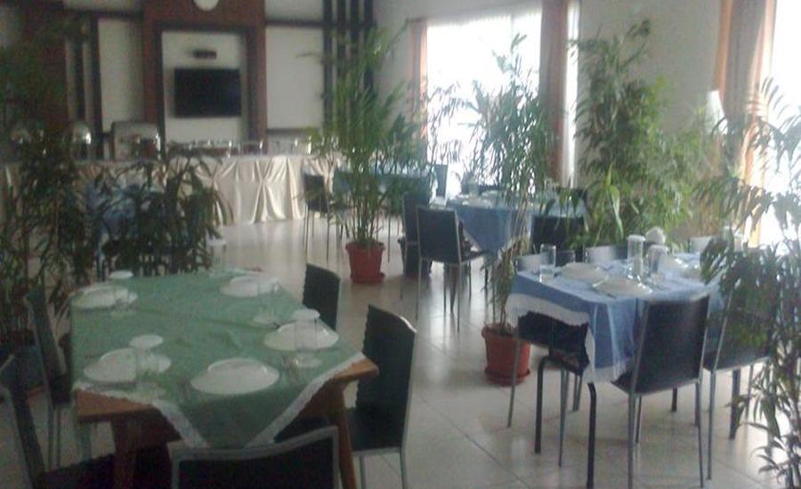 Atsari Hotel Parapat Parapat - Restoran