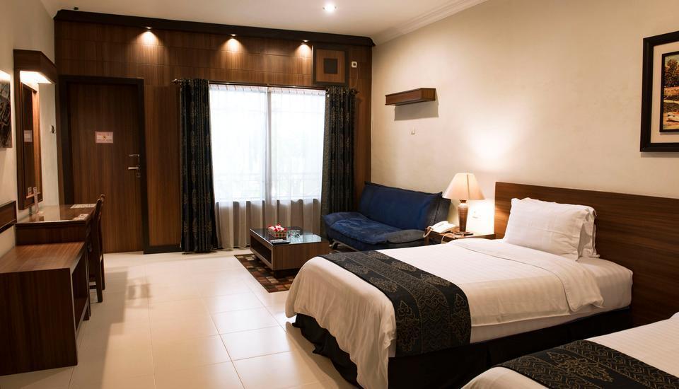 Atsari Hotel & Bungalow Parapat - Suite Room Regular Plan