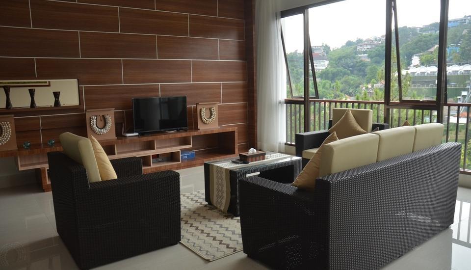 Cempaka 4 Villa Dago 6 Bedroom Bandung - Living Room
