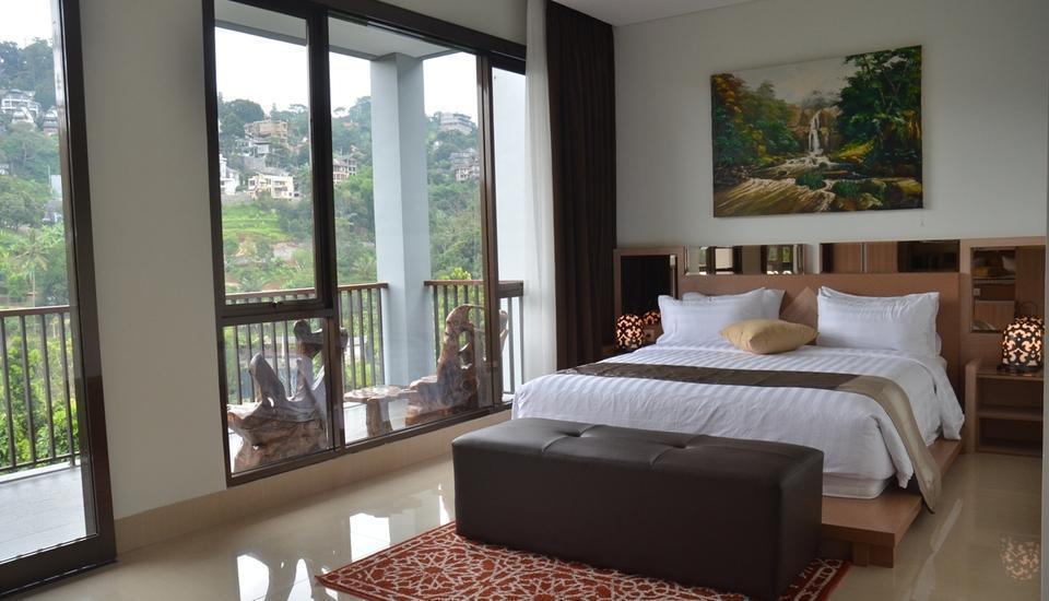 Cempaka 4 Villa Dago 6 Bedroom Bandung - Bedroom