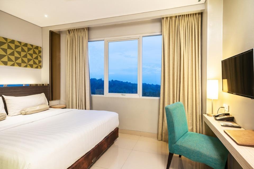 Clove Garden Hotel Bandung - Deluxe King Bed