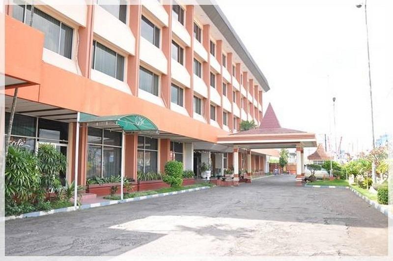 NIDA Rooms Wuruk 38 Jember Desa - Penampilan