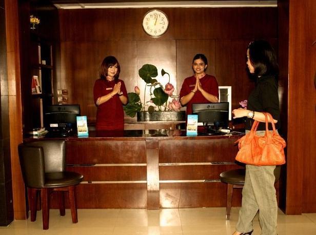 Hotel Makassar Marine Makassar - Lobby