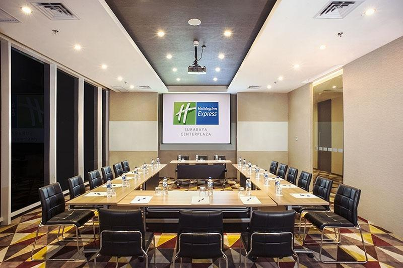 Holiday Inn Express Surabaya Central Plaza Surabaya - Ruang Rapat