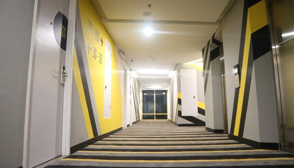 Yello Hotel Manggarai Jakarta - Corridor