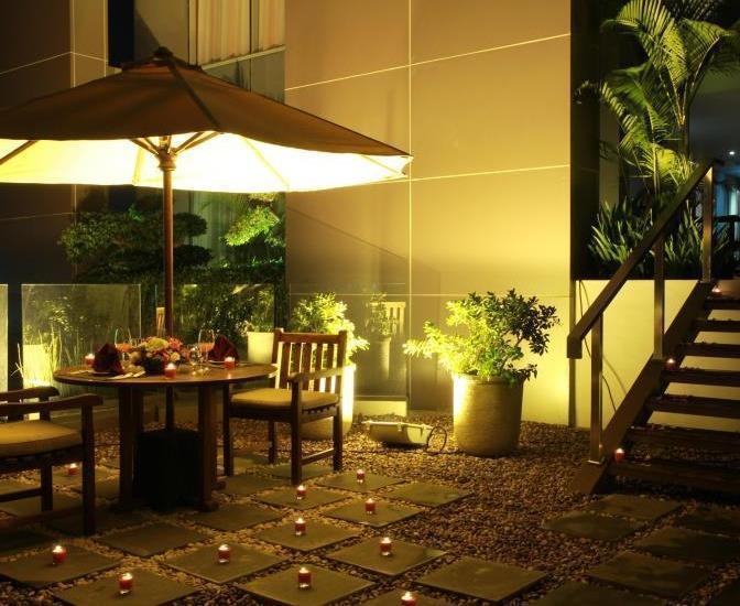 Soll Marina Hotel Serpong - Night View