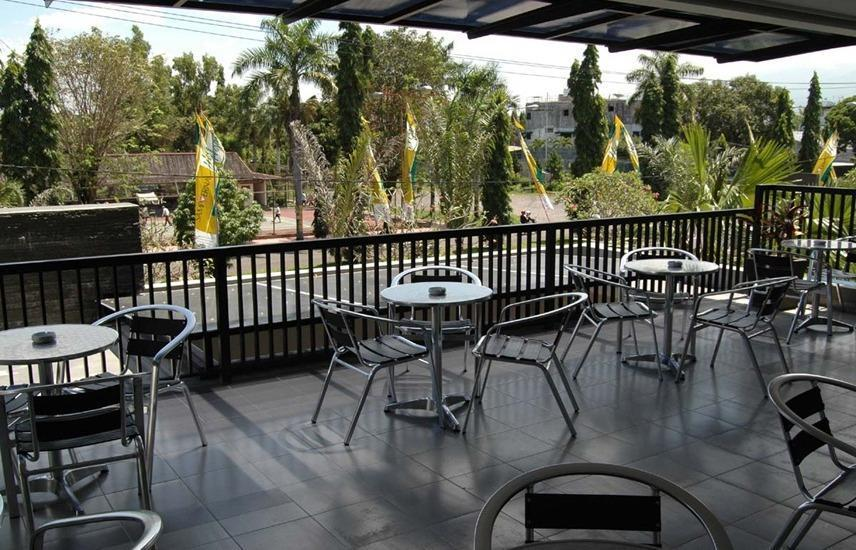Bintang Mulia Hotel & Resto Jember - Cafe