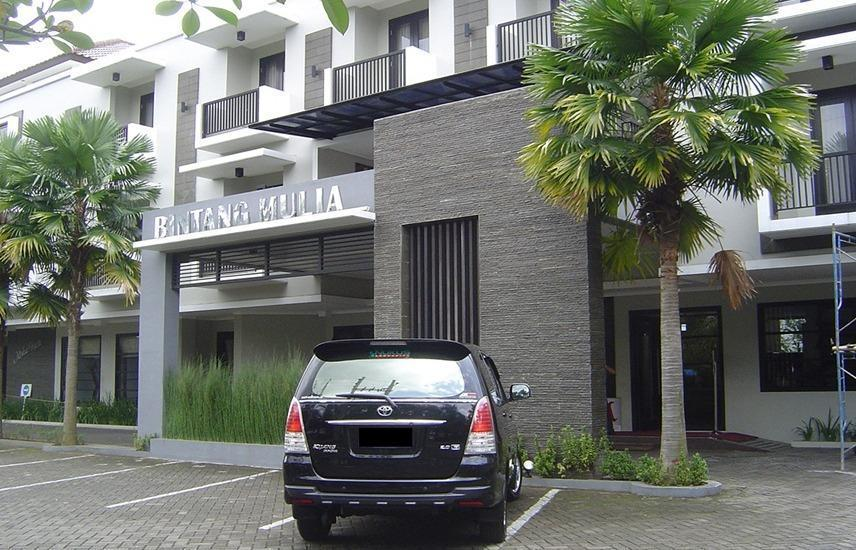 Bintang Mulia Hotel & Resto Jember - Parkir