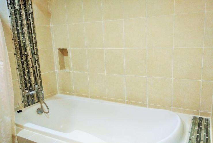 Bintang Mulia Hotel & Resto Jember - Bathub