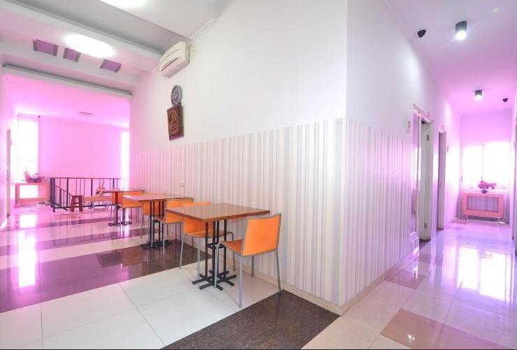 Violet Hotel Malang - Resto