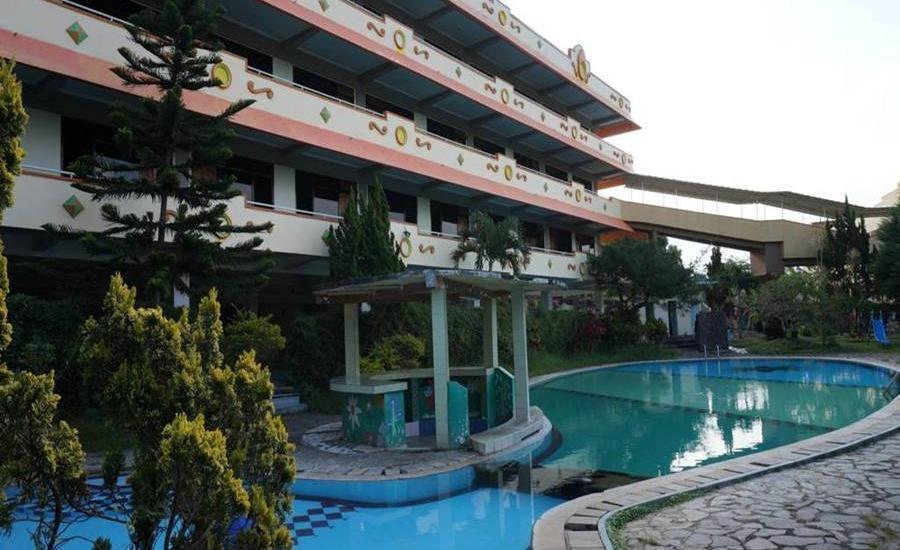 Hotel Surya Indah Batu Malang Malang - Kolam Renang