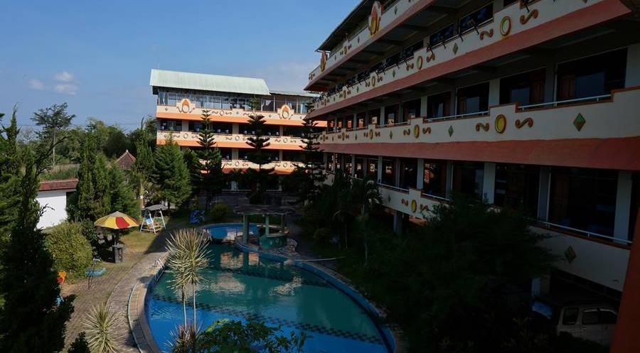 Hotel Surya Indah Batu Malang Malang - Eksterior