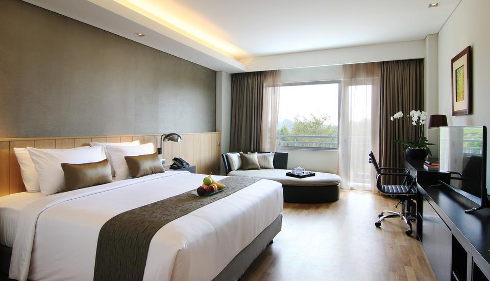 Delonix Hotel Karawang - Golf View Premier - With Breakfast Weekend Promo
