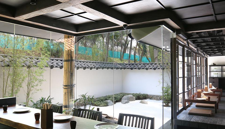 Delonix Hotel Karawang - Sakana 3