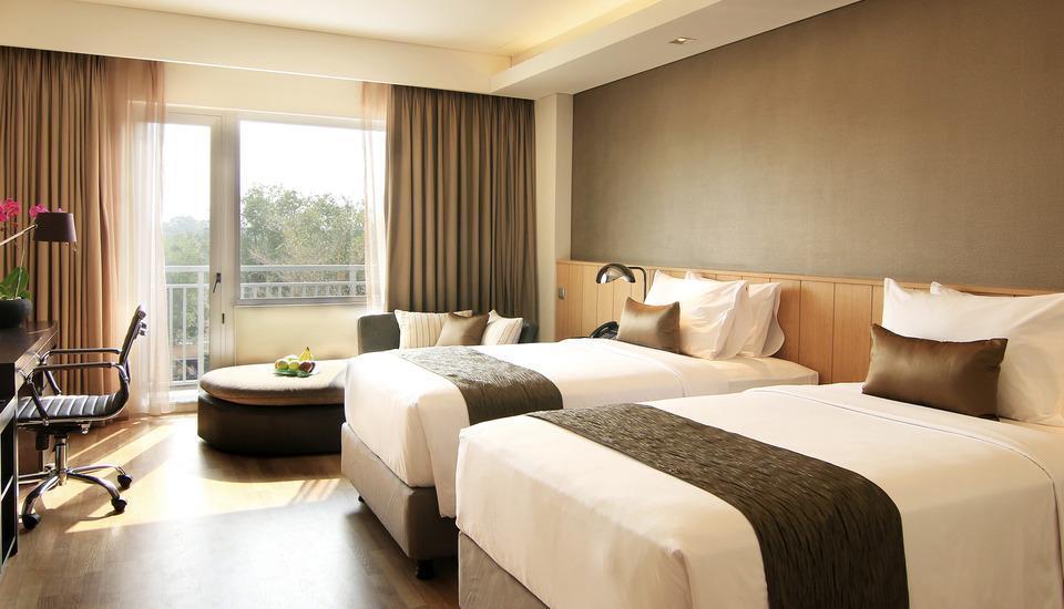 Delonix Hotel Karawang - Pool View Studio