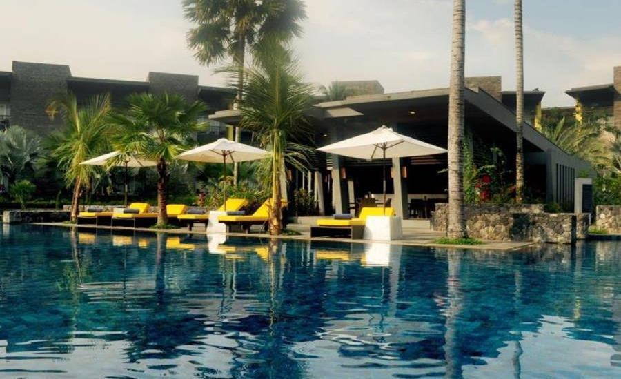 Novotel Palembang Hotel & Residence Palembang - Kolam Renang