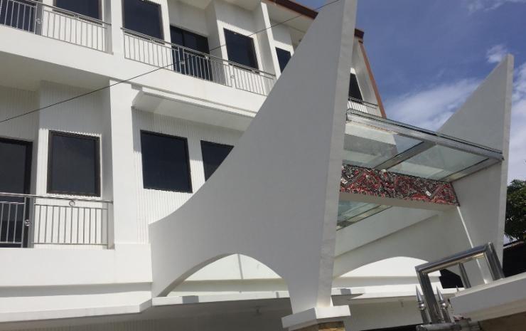 Opriss Hotel & Bungalow Parapat - Eksterior