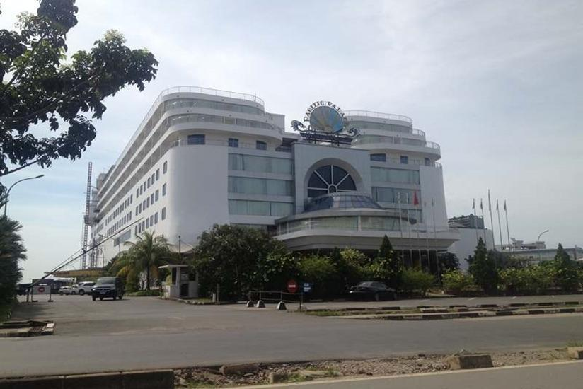 Pacific Palace Batam - Tampilan Luar Hotel