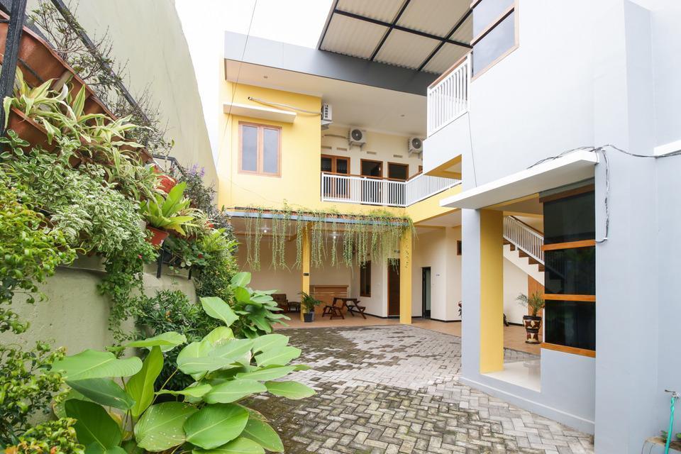 Airy Lowokwaru Kedawung Lima 25J Malang - Hotel Building