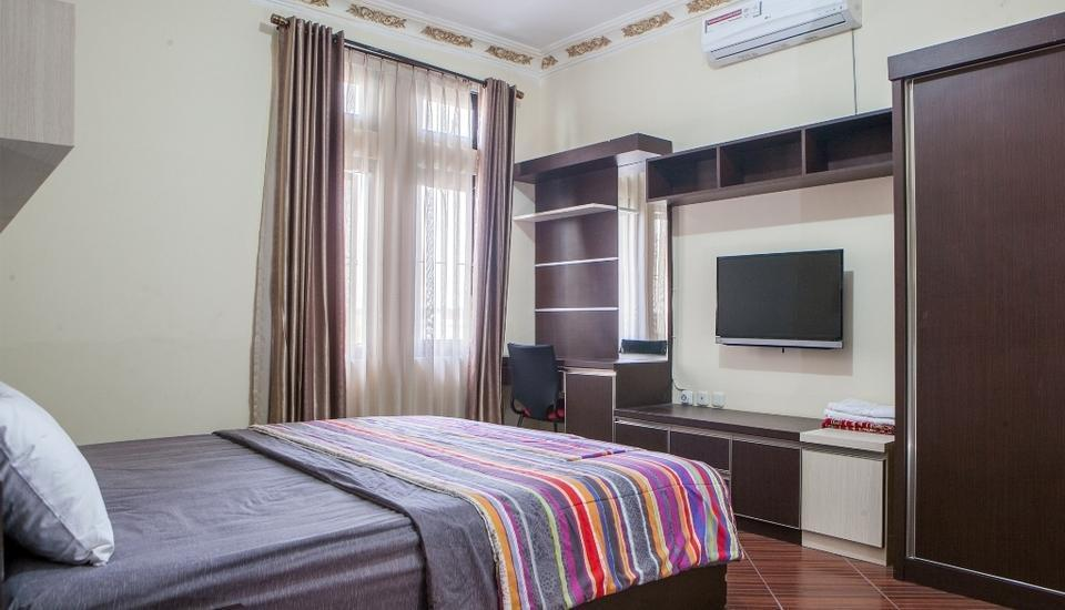 Allure Guest House Bandung - Double Room Regular Plan