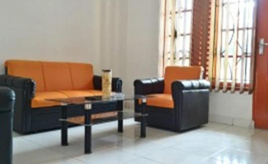 DeAL Guest House SYARIAH Medan - Ruang tamu