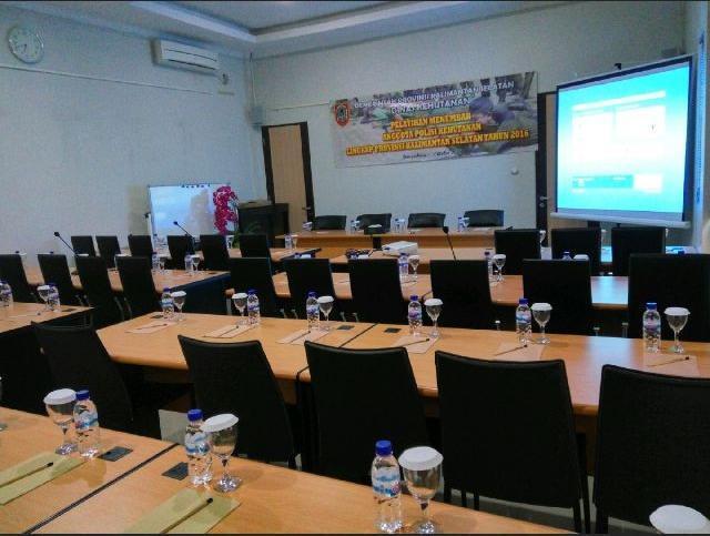 Riyadh Guesthouse Banjarbaru - Meeting Room