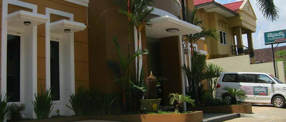 Riyadh Guesthouse Banjarbaru - Exterior