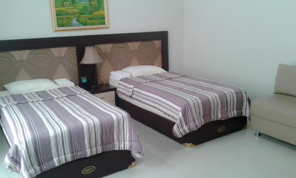 Riyadh Guesthouse Banjarbaru - Guest Room