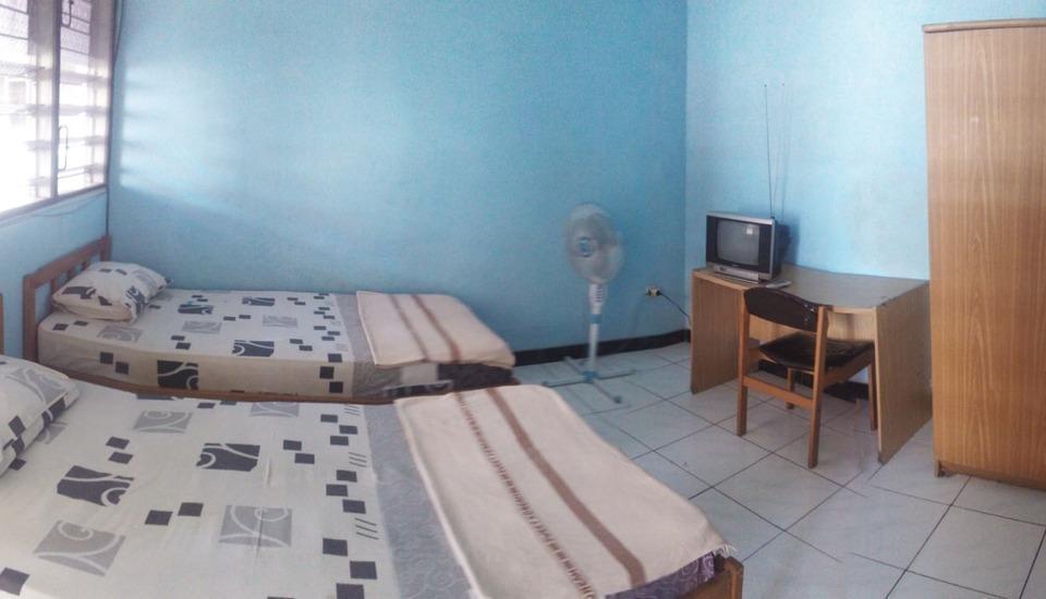 Riyadi Guest House Surabaya - Flamboyan kamar Regular Plan