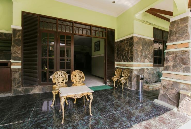 Riyadi Guest House Surabaya - Lobby