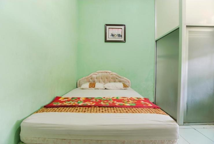 Riyadi Guest House Surabaya - Sakura Room