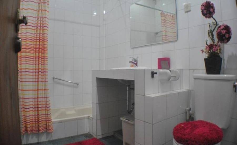 Elliottii Residence Cisarua Bogor - Kamar mandi