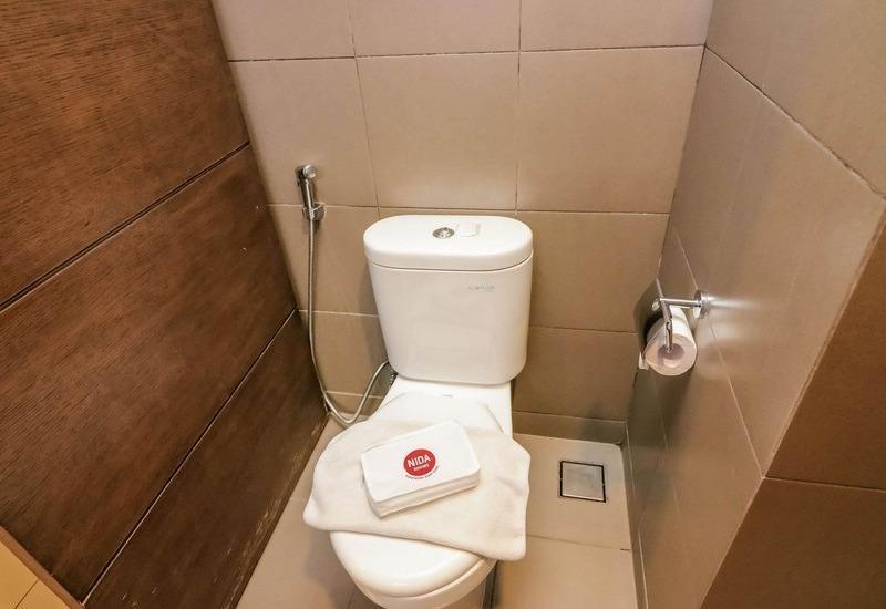 NIDA Rooms Kuta Patih Jelantik - Kamar mandi