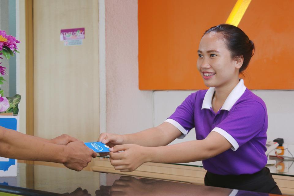 Airy Wonorejo Ruko Lancang Kuning Nangka Pekanbaru - Receptionist