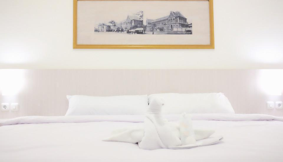 Victoria Boutique Residence Malang - DELUXE SUPERKING / DOUBLE (ROOM ONLY) Regular Plan