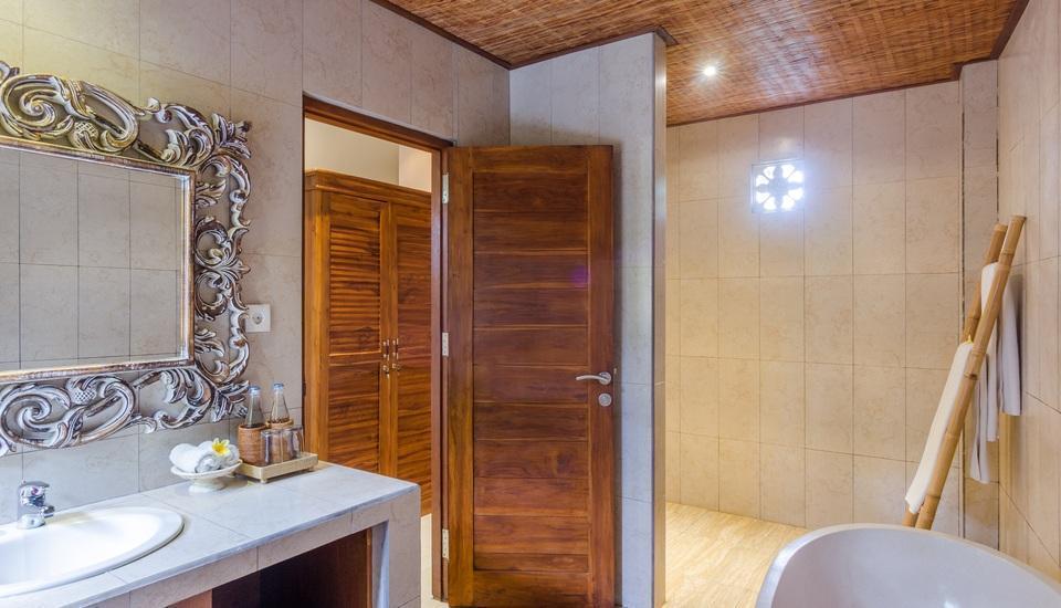 Chili Ubud Cottage Bali - Vila Kolam Renang kamar mandi