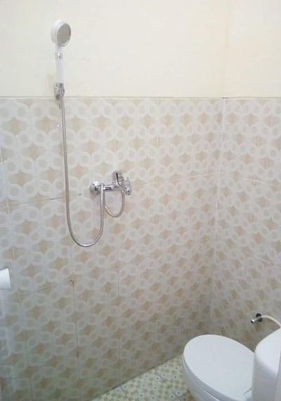 Homestay Twins Batu Malang - Bathroom