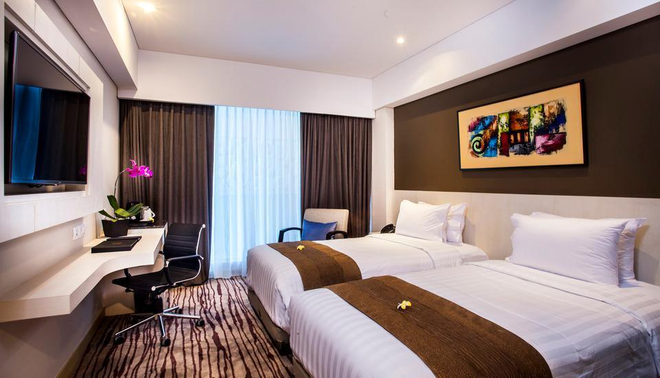 H Sovereign Bali - Deluxe room and Half board with breakfast Regular Plan