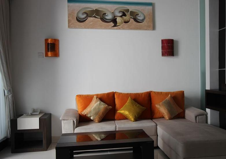 The Diana Suite Tuban Bali - 4. Deluxe Living Room Only Last Minute
