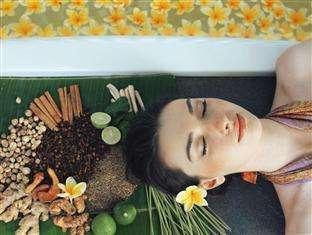 Vasanti Seminyak Resort Bali - AUM Spa