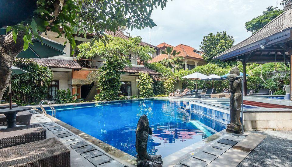 ZenRooms Seminyak Taman Petitenget Bali - Kolam Renang
