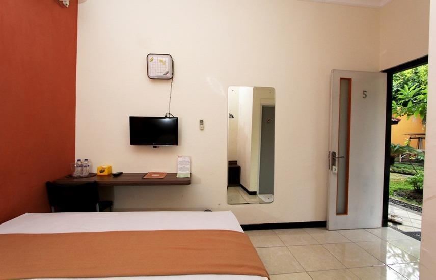 Guest House Rumah Wahidin Syariah Probolinggo - Superior Plus Single Bed