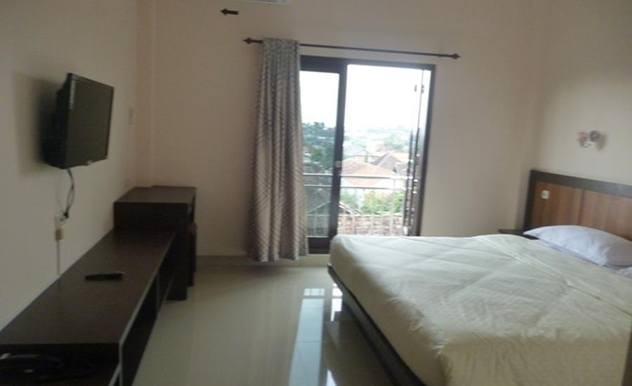 Senjoyo Agung Salatiga - Deluxe Room With Balcony Regular Plan