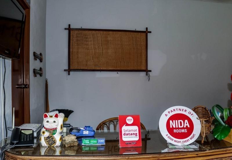 NIDA Rooms Gunung Putri Bosscha Lembang - Resepsionis